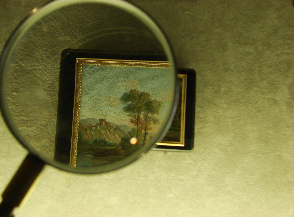 évaluateur-oeuvre d'art-antiquités